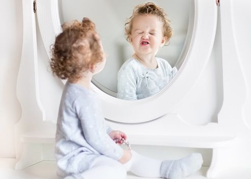 How to see yourself in a writing mirror publication coach for Mirror yourself