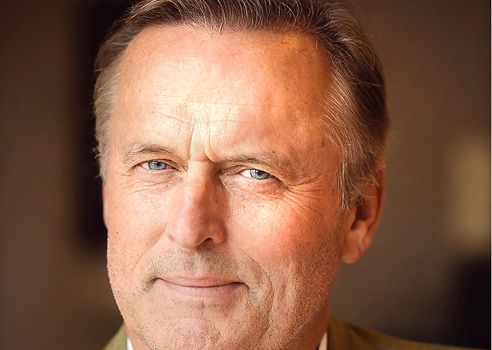 john grisham essay The chamber, by john grisham, was basically an attack on capital punishment grisham is apparently of the strong moral conviction that the death penalty is.
